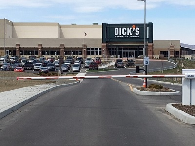 Shares in Dick's Sporting Goods (NYSE:DKS) Purchased by Raymond James & Associates